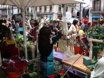'Socially-distanced Saint George's Day': Book and flower fairs to go ahead in Catalunya