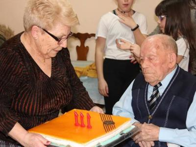 Oldest man on earth is Spanish...again