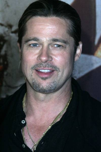 Brad Pitt rescues little girl from being crushed whilst filming in Gran Canaria