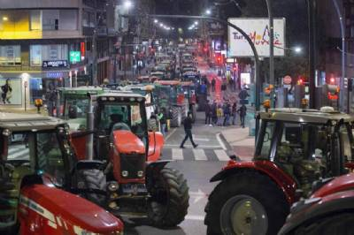 Protesting Farmers Block Murcia Roads With Over 200 Slow Moving Tractors