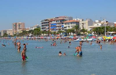 San Pedro Del Pinatar To Fine Beach Goers 750 For Ball In The Sea Or Nudism Even On Its Naturist