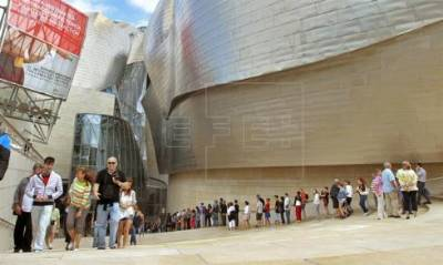 Bilbao's Guggenheim museum posts record visitor numbers