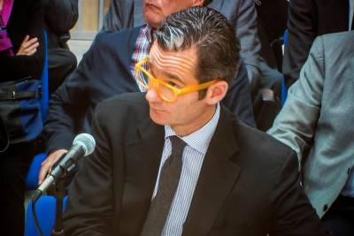Urdangarín enters prison; Infanta to commute weekly to Spain