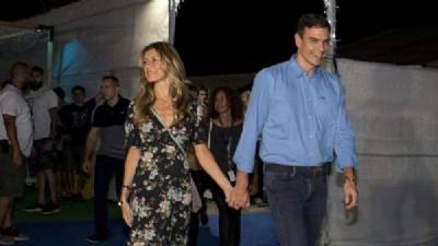 Pedro Sánchez visits Benicàssim Festival to watch The Killers