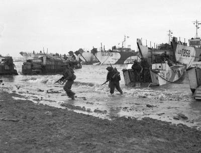 'B-Day Landings': Allied forces' Benidorm beach invasion