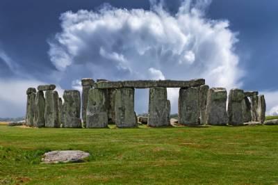 Did Spaniards build Stonehenge?
