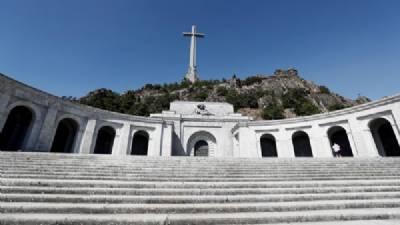 Valle de los Caídos shut for Franco's exhumation