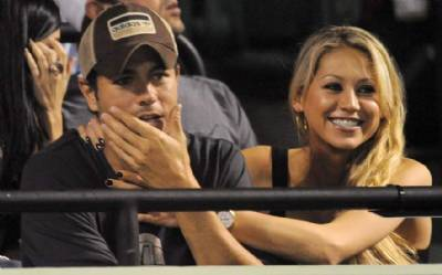 Enrique Iglesias and Anna Kournikova expecting third child