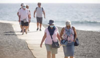 Canaries takes out 'Covid protection' insurance for tourists to 'reassure visitors they are safe'