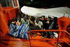 Five missing after another immigration boat goes down off Canaries