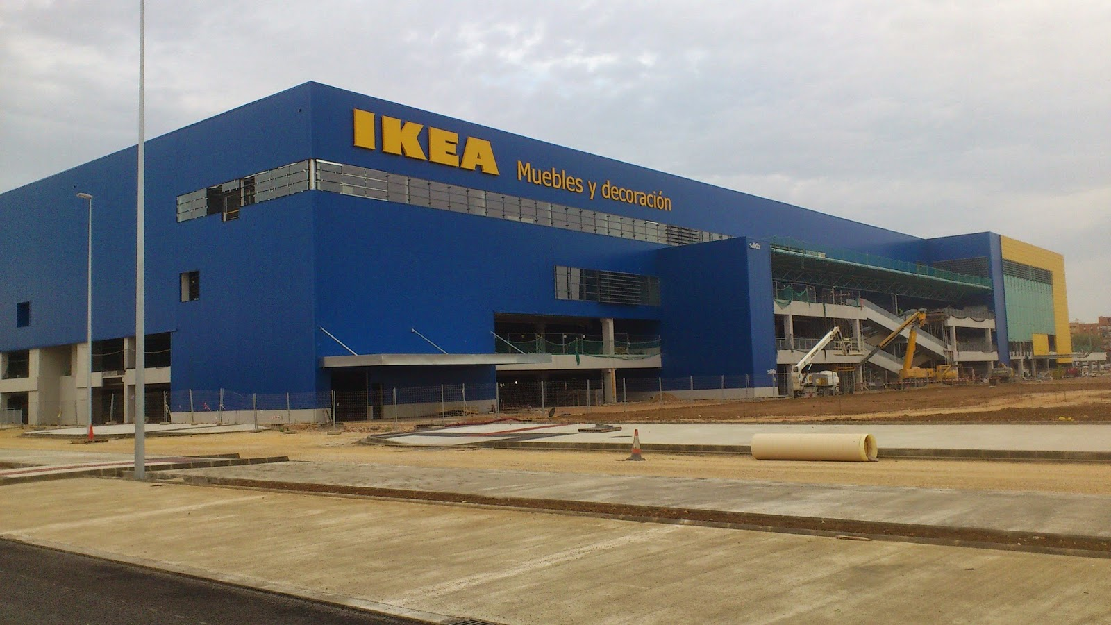 ikea may sue valencia government for banning sunday opening. Black Bedroom Furniture Sets. Home Design Ideas