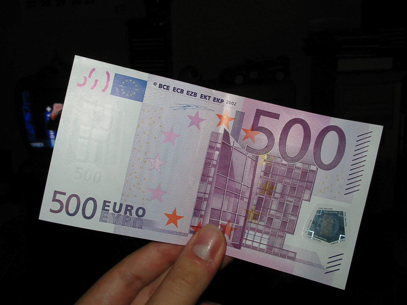 Cash payments for goods and services to be capped at €1,000