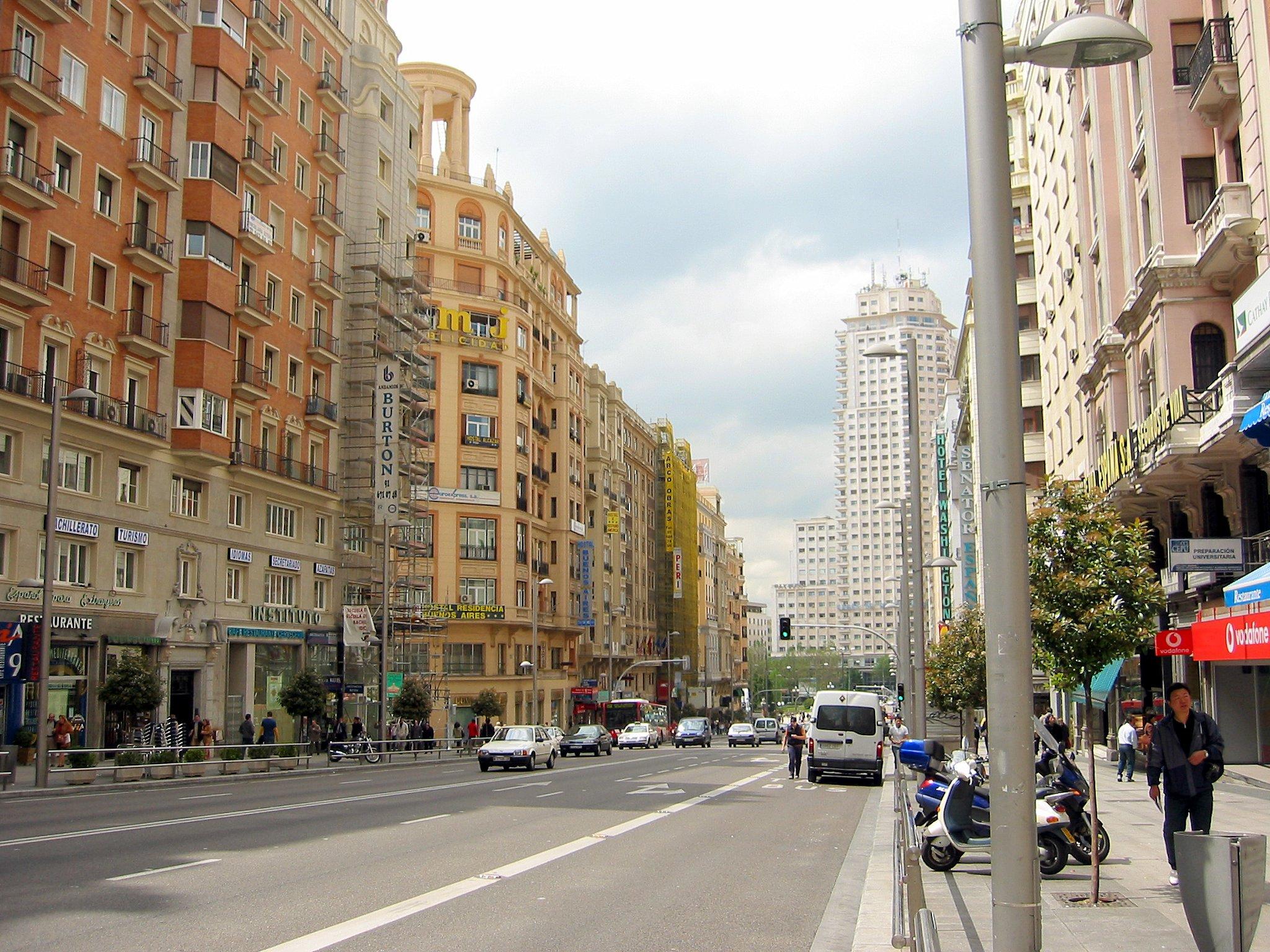 Gran v a evacuated due to bomb scare - Calle castello madrid ...