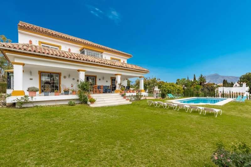 4 Zimmer Villa zu verkaufen in San Pedro de Alcantara mit Pool - 1.200.000 € (Ref: 4693925)