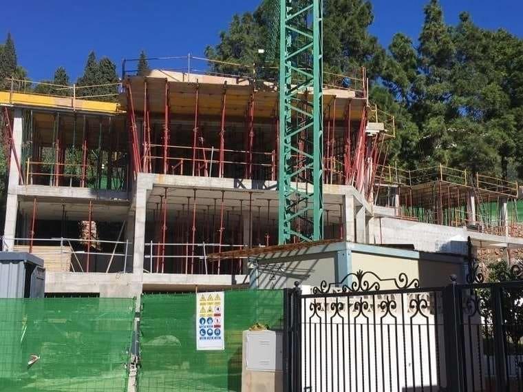 4 bedroom Villa for sale in Marbella with pool - € 1,000,000 (Ref: 4694427)