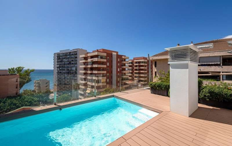2 bedroom Apartment for sale in Marbella with pool - € 999,000 (Ref: 4964785)