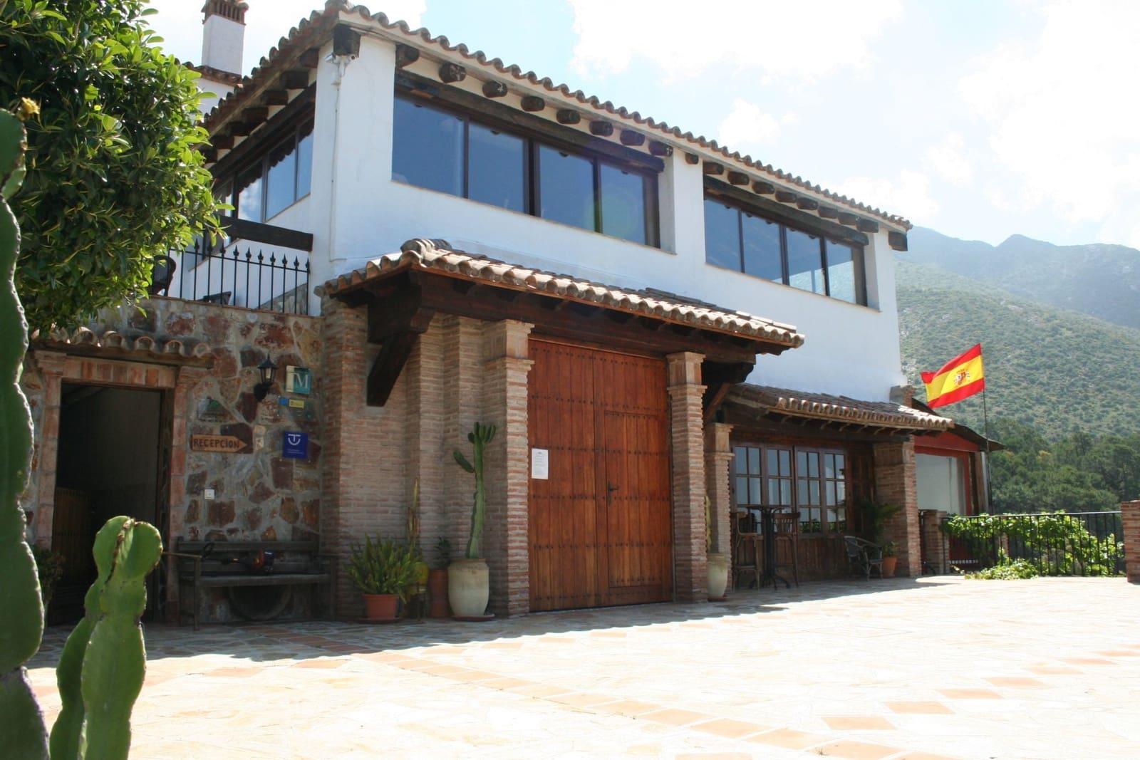 12 Zimmer Hotel zu verkaufen in Istan mit Pool - 2.395.000 € (Ref: 5195778)