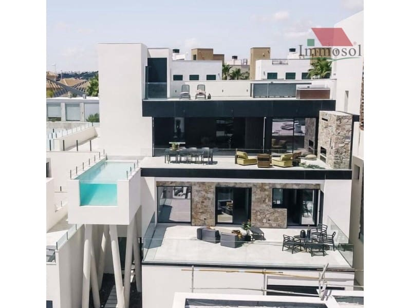 3 bedroom Villa for sale in Rojales with pool garage - € 875,000 (Ref: 5236110)
