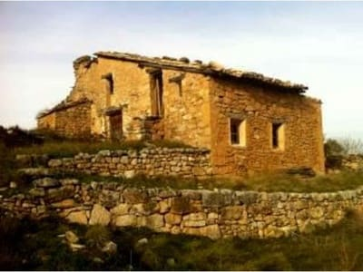6 bedroom Finca/Country House for sale in Morella - € 100,000 (Ref: 3318833)