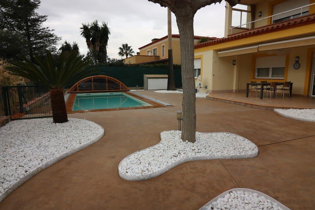 5 bedroom Villa for sale in Reus with pool - € 595,000 (Ref: 4769826)