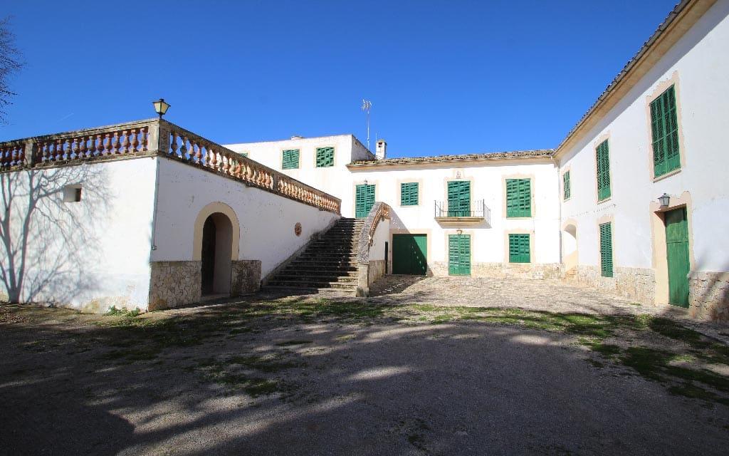 3700000 Villa For Sale In Maria De La Salud Maria De La Salut