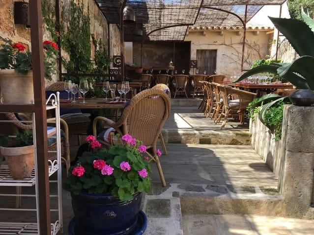 Commercieel te huur in Algaida - € 1.800 (Ref: 5548899)