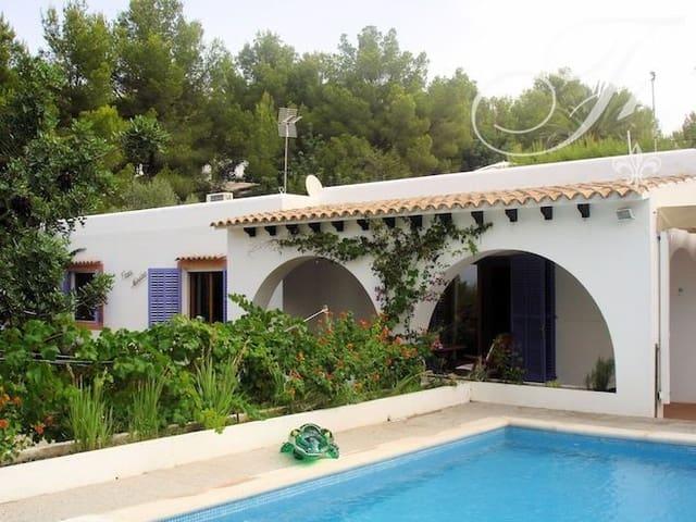 3 soverom Leilighet til salgs i Cala Salada med svømmebasseng - € 950 000 (Ref: 5295846)