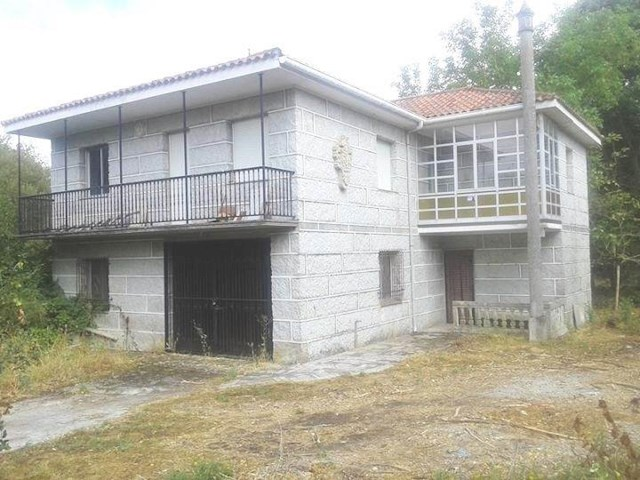 4 soverom Finca/Herregård til salgs i Banos de Molgas - € 73 000 (Ref: 3176694)