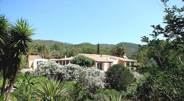 4 sypialnia Willa na sprzedaż w Sant Llorenc de Balafia z basenem garażem - 3 000 000 € (Ref: 2645411)