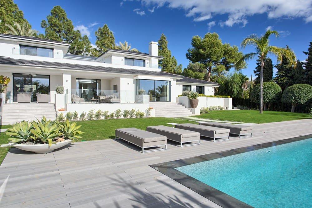5 bedroom Villa for sale in Marbella with pool garage - € 4,900,000 (Ref: 3748652)