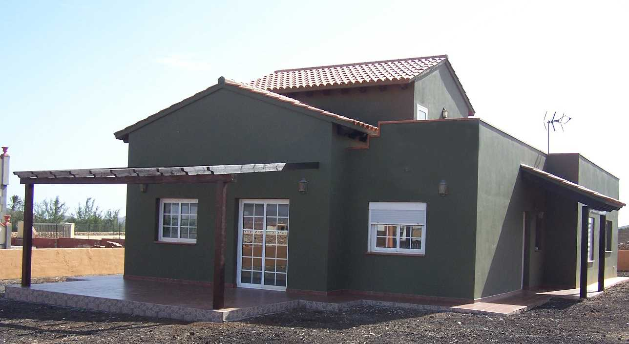 Chalet de 5 habitaciones en Casillas de Morales en venta con garaje - 285.000 € (Ref: 2185479)