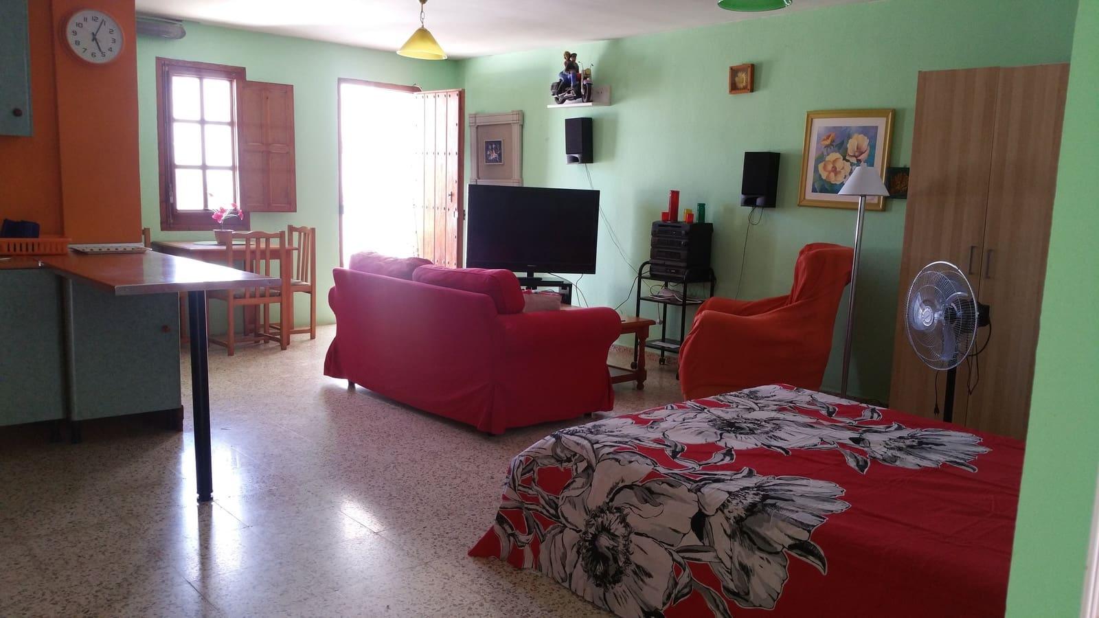 Apartment for holiday rental in Almayate - € 150 (Ref: 4786419)