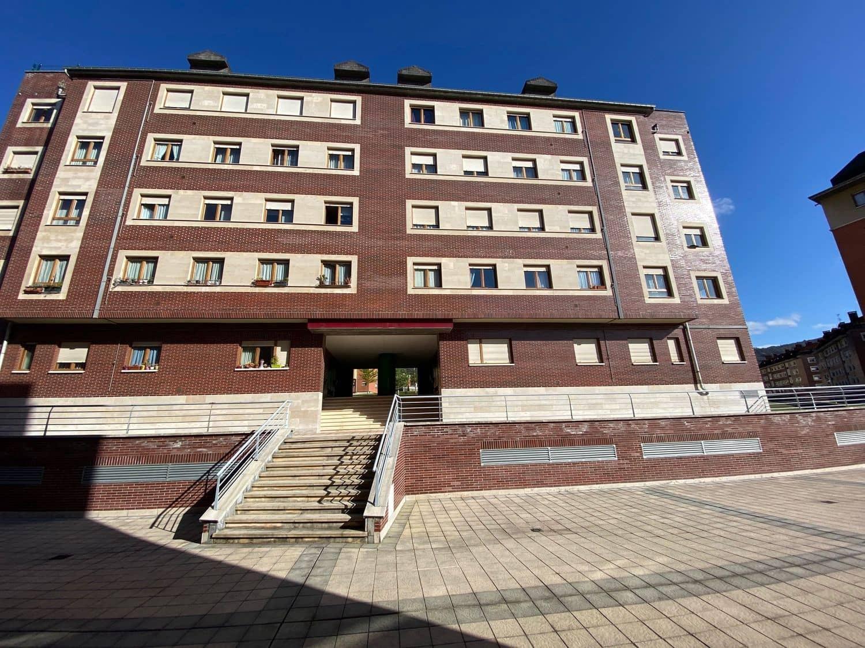 3 sypialnia Apartament na sprzedaż w Oviedo z garażem - 112 000 € (Ref: 5999648)