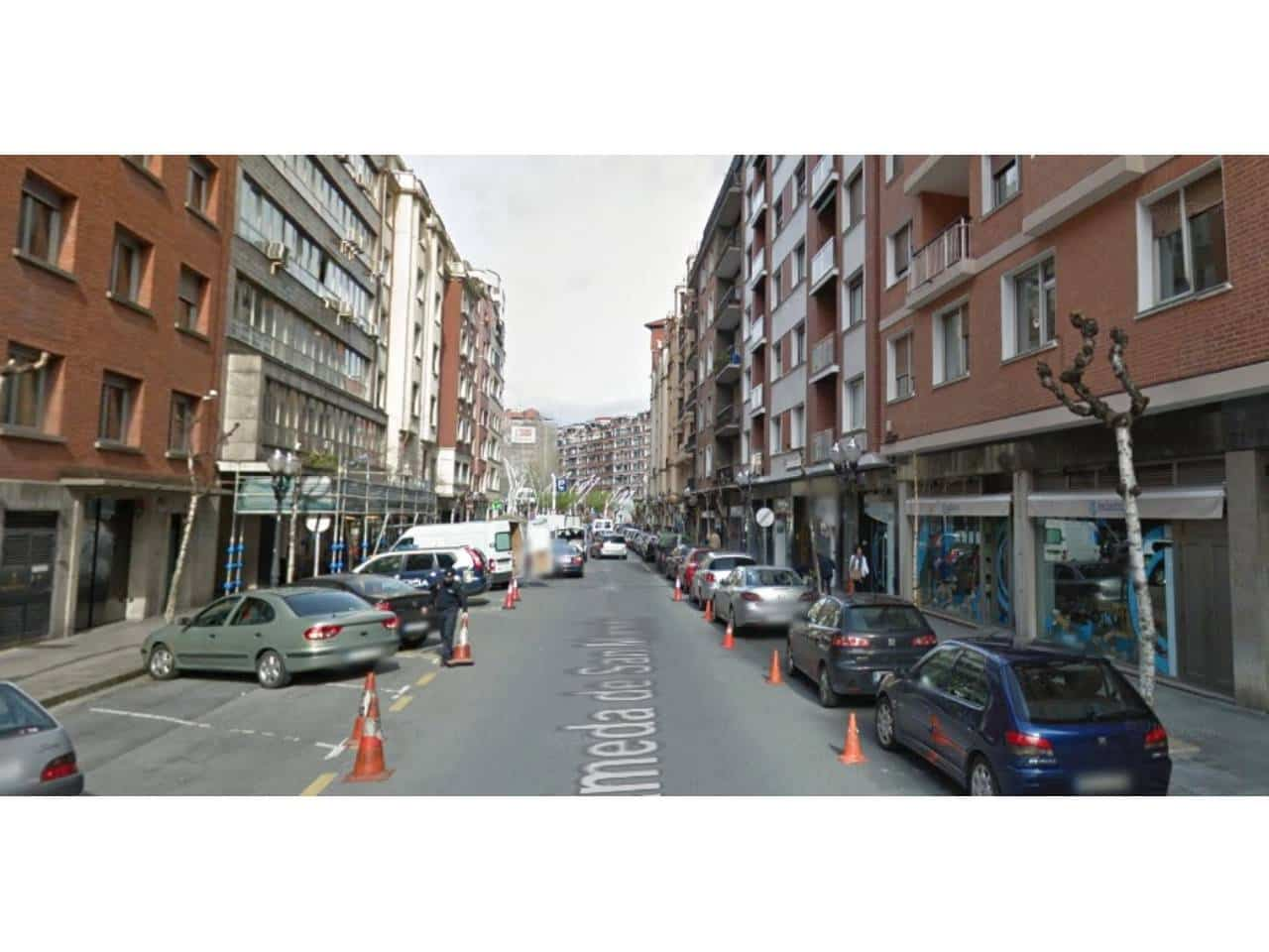 Commercial for rent in Bilbao - € 600 (Ref: 3860523)