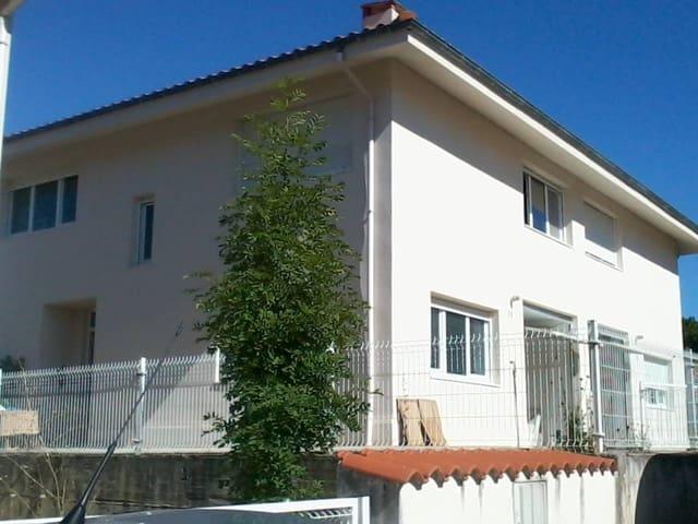 4 chambre Villa/Maison Mitoyenne à vendre à Puente Viesgo avec garage - 140 000 € (Ref: 3860704)