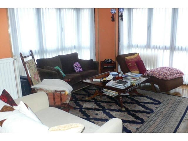 3 bedroom Flat for sale in Castro-Urdiales - € 310,000 (Ref: 3860705)