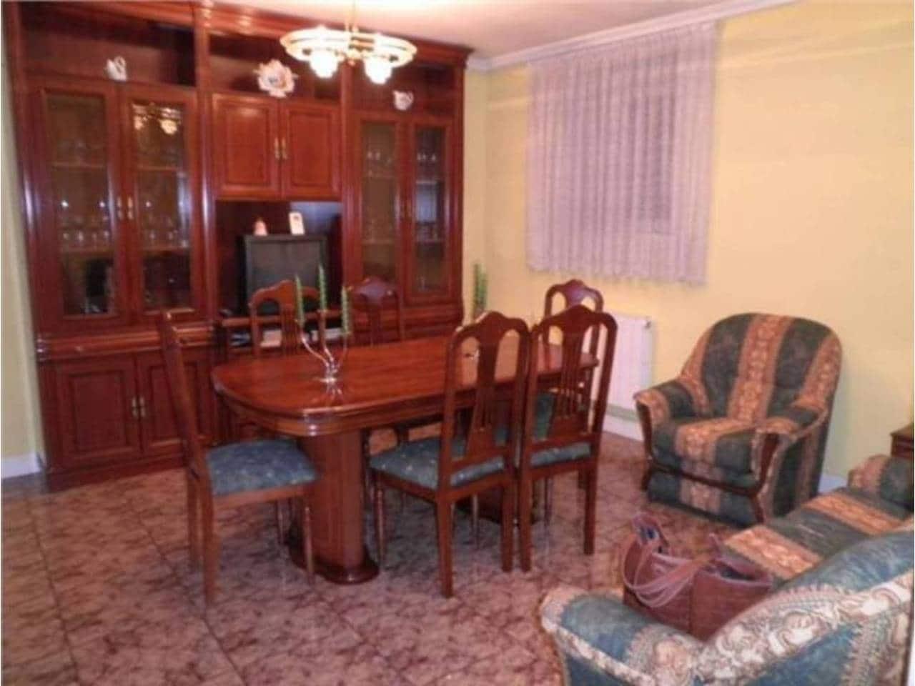 3 chambre Maison de Ville à vendre à Guenes avec garage - 250 000 € (Ref: 3861768)