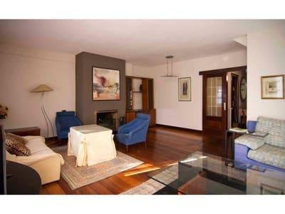 6 bedroom Semi-detached Villa for sale in Getxo with garage - € 615,000 (Ref: 4261008)