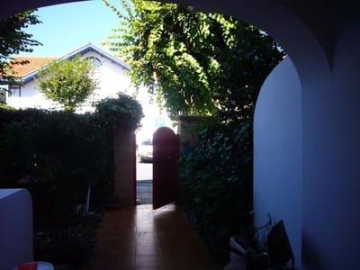 5 bedroom Terraced Villa for sale in Loiu - € 590,000 (Ref: 4319362)