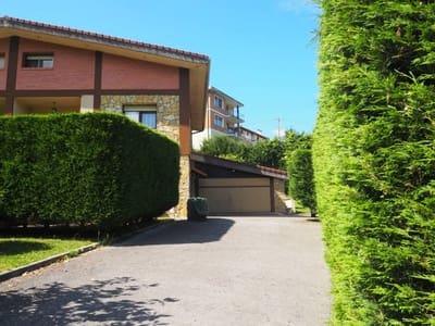 5 bedroom Semi-detached Villa for sale in Sondika - € 600,000 (Ref: 4632707)