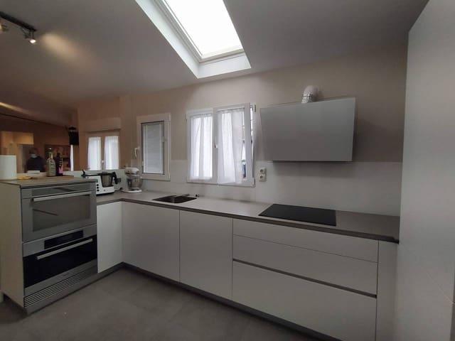 Ático de 3 habitaciones en Bilbao en venta - 585.000 € (Ref: 5711018)
