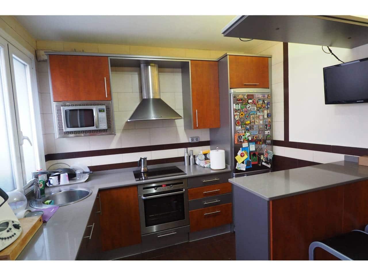 Piso de 3 habitaciones en Bilbao en venta - 398.000 € (Ref: 5721064)