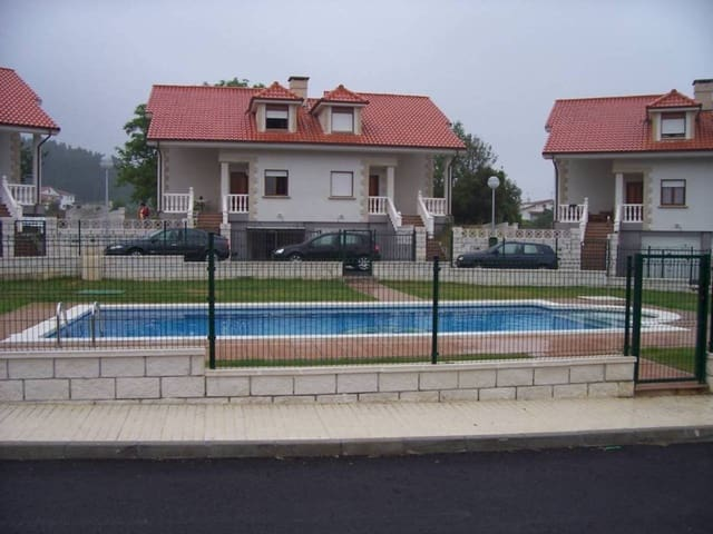 4 sypialnia Dom blizniak na sprzedaż w Castillo z basenem garażem - 335 000 € (Ref: 907726)