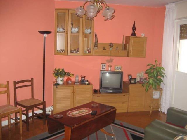 2 Zimmer Wohnung zu verkaufen in Medina de Pomar mit Garage - 45.000 € (Ref: 931169)