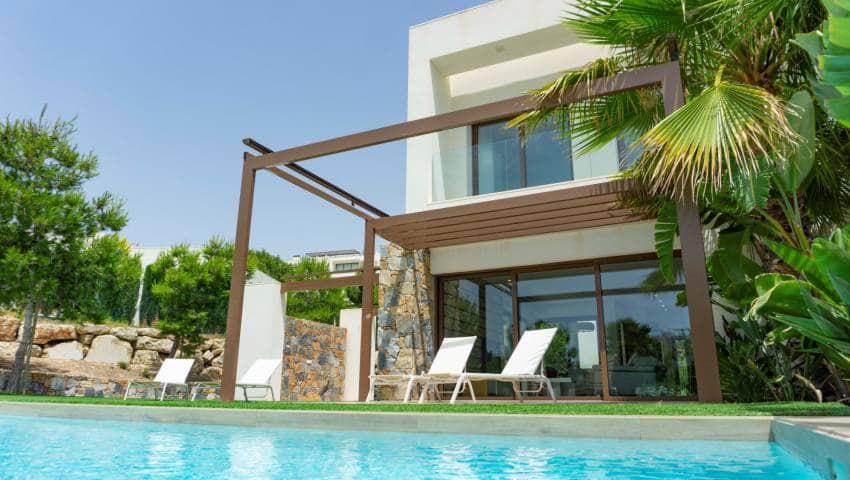 Chalet de 4 habitaciones en Las Colinas Golf en venta con piscina - 499.000 € (Ref: 4919950)
