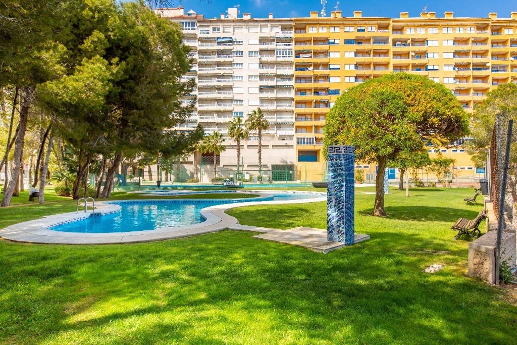 2 bedroom Apartment for sale in Campoamor with pool - € 139,500 (Ref: 5416021)