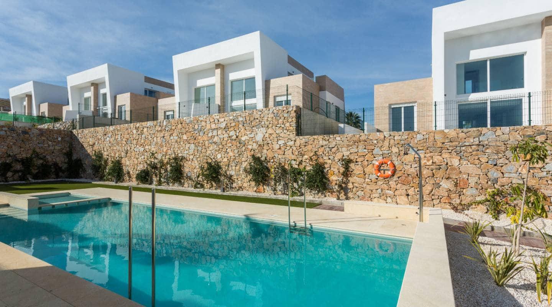 3 soveværelse Semi-Rækkehus til salg i Algorfa med swimmingpool - € 247.500 (Ref: 5731369)
