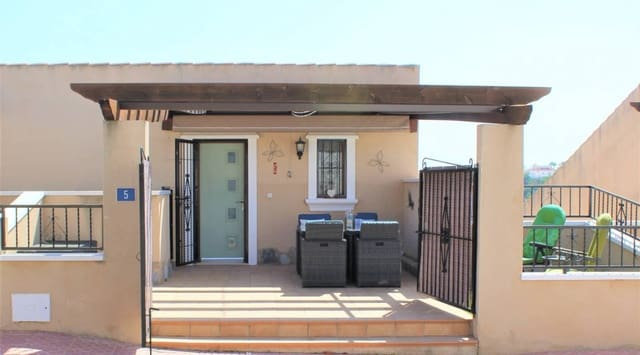 3 soveværelse Semi-Rækkehus til salg i Ciudad Quesada med swimmingpool - € 175.000 (Ref: 5758160)