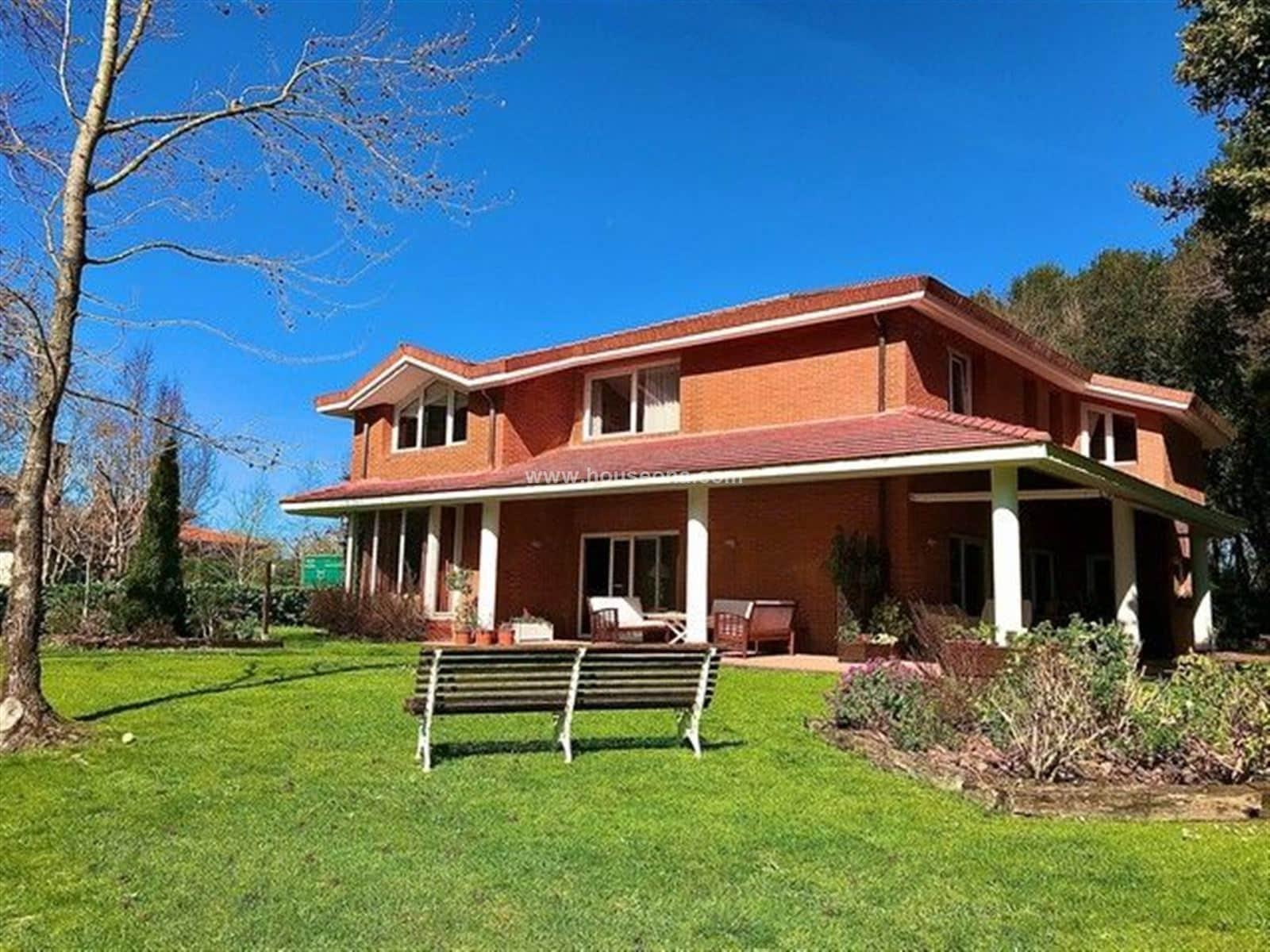 6 sypialnia Willa na sprzedaż w Mungia - 895 000 € (Ref: 5169252)
