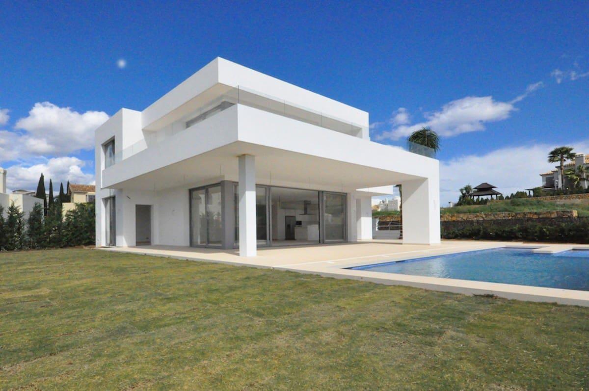 4 bedroom Villa for sale in Marbella with pool garage - € 1,385,000 (Ref: 4359284)